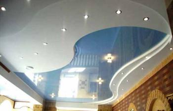 визуальное поднятие потолка