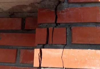 как заделать трещину на стене