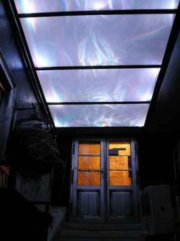 стеклянный потолок в интерьере