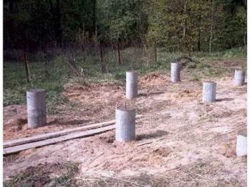 как защитить деревянный фундамент