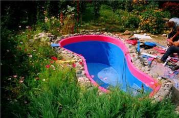 плюсы пластикового бассейна