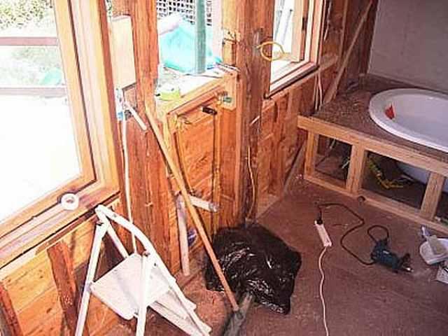 Ремонт ванной комнаты в деревянном доме своими руками