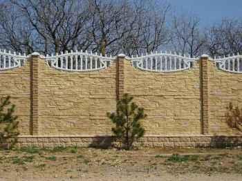 современные бетонные заборы