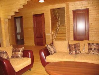 двери для деревянного дома