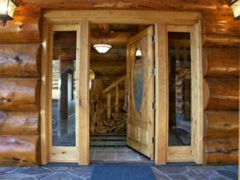 выбор двери для деревянного дома