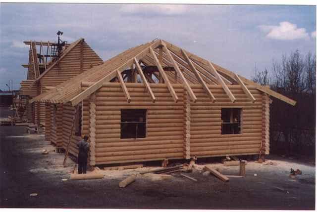 четырехскатная крыша на срубе
